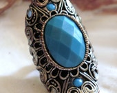 Victorian Silver Tone Scrolled Saddle Ring with Turquoise Faceted Cabachon - Size 8