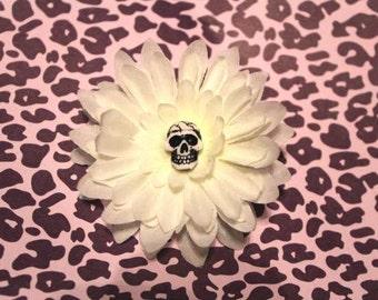 White skull flower