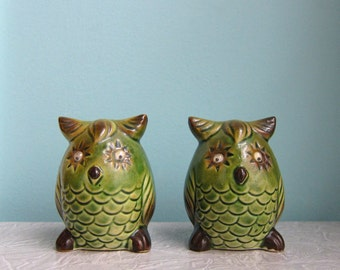 Avocado Green Owl Salt and Pepper Shakers