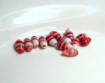 Vintage Red and White Striped Japanese Lampwork Oval Beads - 9mm x 4mm - (13)