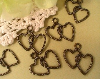 Heart Charm, Antiqued Brass, 25mmx25mm, Double Heart Charm, Wedding Tags, Scrapbooking, Jewelry Making (6pcs)
