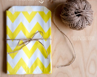 Yellow and White Chevron Pattern Party Favour Bags - 5 x 7 inch Favor Gift Bag - Packet of 12