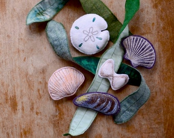 Felt Montessori Toy. Marine Life Sea Shell and Seaweed Set. Spring Nature Table Work by Aly Parrott on Etsy.