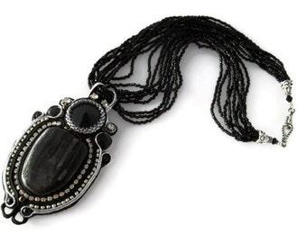 Noir - soutache necklace. Soutache bead embroidery necklace.