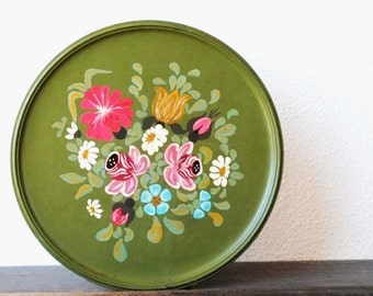 Vintage Tole Painted Charger Plate Kitchen Decor Wood Wall Art, Rosemaled Colorful Flowers Unique Olive Green