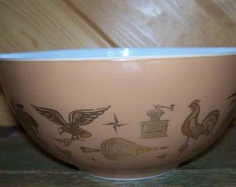 1.5 Qt Early American Pyrex Bowl