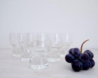 vintage port or sherry glasses, total of 25