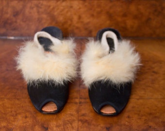 1940s Slippers // High Heels Black Satin and White Rabbit Fur Trim Boudoir Sz 7
