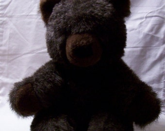1977 Gund Collectors Classic Grizzly Bear
