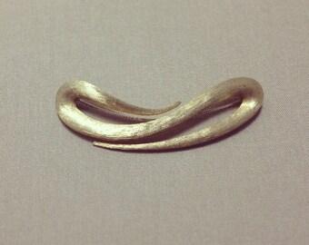 Vintage 18k Yellow Gold 'Dunay' Pin