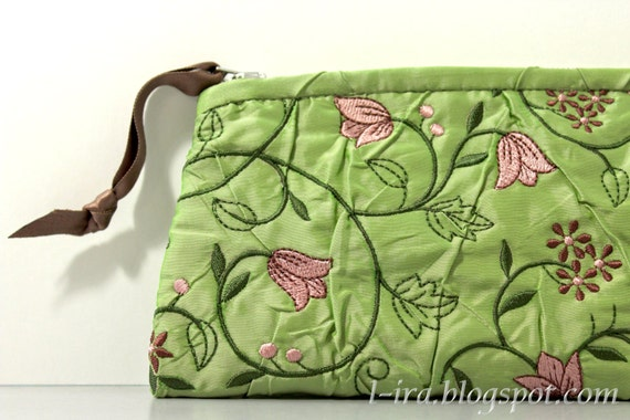 Embroidered clutch / Purse / Bag / Pouch
