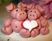 Valentine's day couple of pigs with a heart that I can personalize
