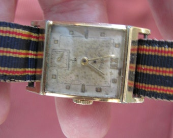 Vintage 1940's LORD ELGIN 14K Gold Filled Wrist Watch