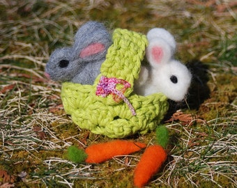 Needle Felted Easter Bunny, With Easter Basket and Carrots, Handmade, 2 Easter Bunnies