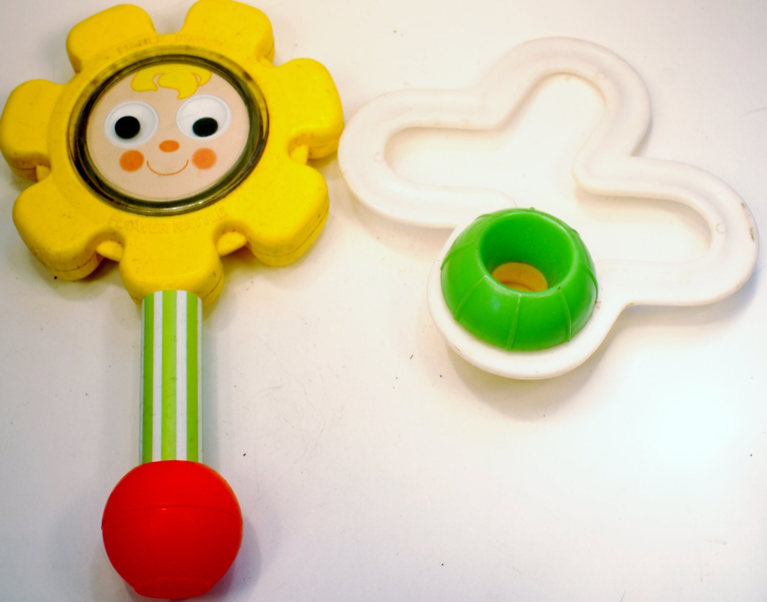 Vintage Toys Infant Toys 1974 Fisher Price Flower Rattle