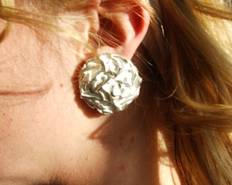 Vintage - 1960s Silver and White Abstract Clip On Earrings