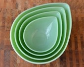 Jadeite Swedish Modern Bowl Set - Jadite Fire King - Mixing Bowl Set - Teardrop Bowl - Set of 4 - KOLORIZE