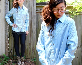 Vintage // 1970's Rare WRANGLER Pastel Blue Blouse // Disco Shirt // Cowgirl Floral Pearl Buttons