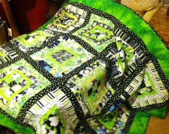 Lime Surprise Geo Squares Lap Quilt