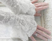 SNOW vintage Victorian steampunk bridal lace cuffs, fingerless lace gloves in pure white lace, free gift packaging