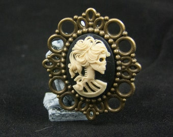 Steampunk, Rockabilly, Goth, Lolita Cameo Brooch Skeleton Bronze Female