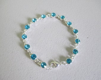 Crystal blue glass beaded with silver links and spring clasp closure ooak  71/2 inch