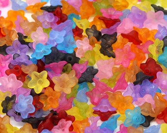 30 Plastic Flower bead caps   - 10 x 4 mm Frosted Acrylic  pa082