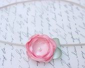 Small Light Pink Mini Flower Leaf Headband/ Newborn Headband/ Baby Headband/ Flower Girl/ Wedding/ Photo Prop
