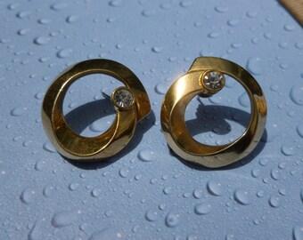 Gold swirl with white Rhinestone Pierced Earrings.