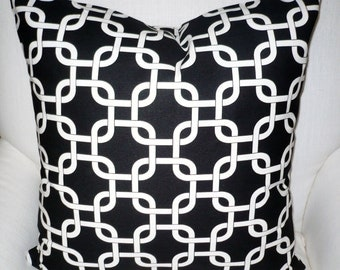 BLACK And WHITE GEOMETRIC Links Cotton  Pillow Cover
