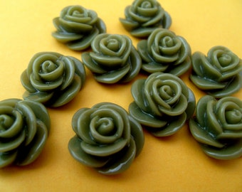 Half price sale! 10 x green flower cabochons