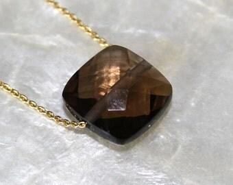 Smoky quartz and 18k gold necklace, Cushion cut smoky quartz and 18k gold chain