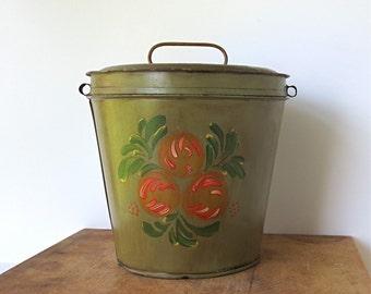 Antique Toleware Berry Bucket Milk Pail Two Quart / Vintage Decor Accent