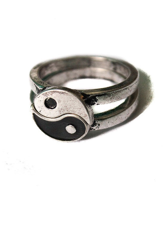 Yin Yang ring Friendship Vintage overstock splits in two. Brushed Antique silver look 90s jewelry