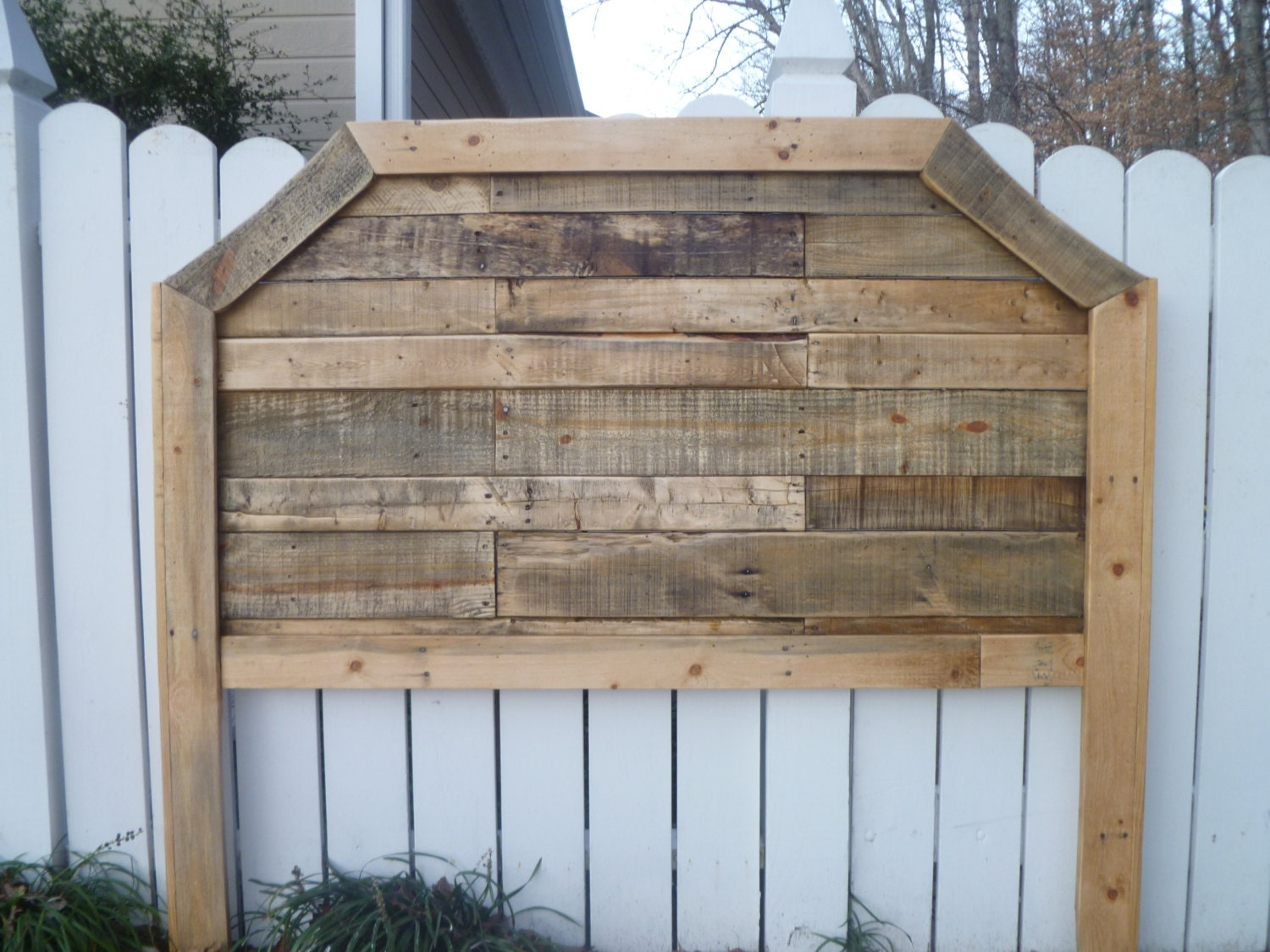 Items similar to natural curved queen pallet headboard on etsy for How to make a king size headboard out of pallets