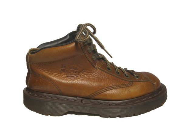vintage dr martens brown leather air wair boots air cushion. Black Bedroom Furniture Sets. Home Design Ideas