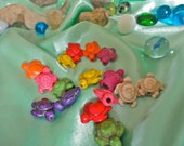 16 Howlite Colorful Turtle Beads