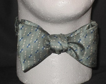 SILK Freestyle BOW TIE Sage Small Repeat Conservative Traditional Tasteful Self Tie Your Own Bowtie