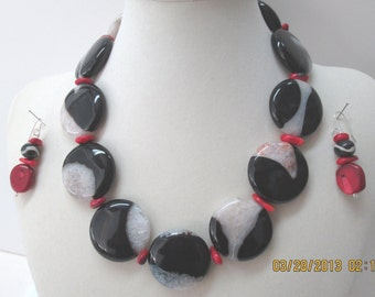 Large scale black-white jasper necklace with red coral