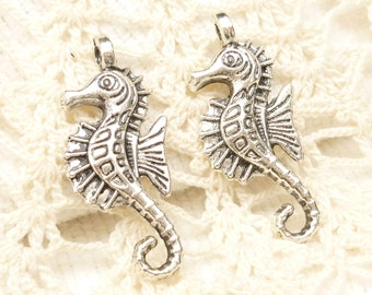 Antiqued Silver Seahorse Charms (6) - S116