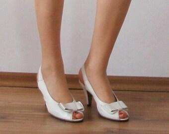 SALE - Vintage Genuine Leather Sandals  Size 37 - 37.5 EU