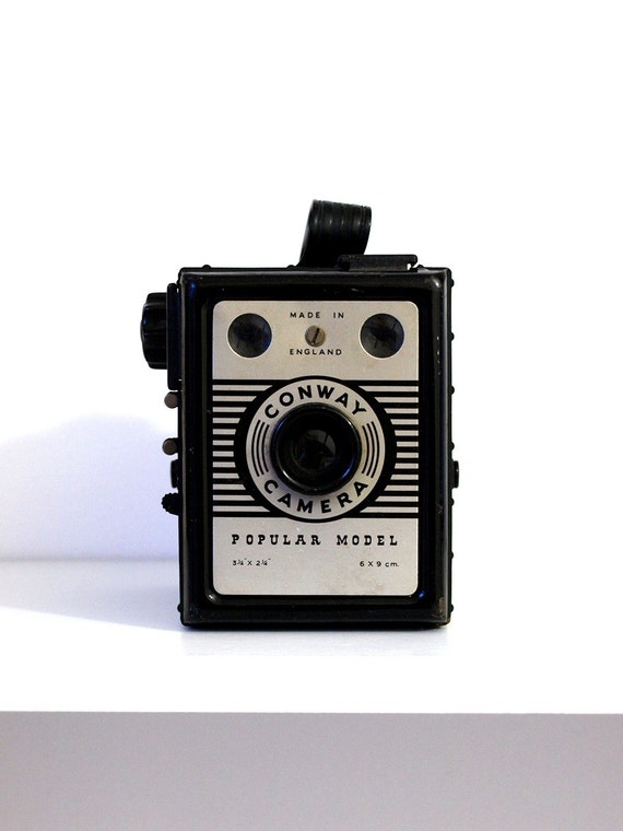 Vintage Conway camera. Popular Model. Made in England. 1930's 40's film camera.