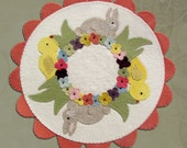 PATTERN Spring In Bloom Wool Applique' Candle Mat pattern