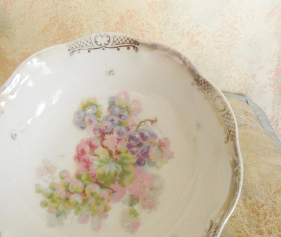 Romantic Vintage Bavarian Handpainted Pink and Lavender Grapes Bowl
