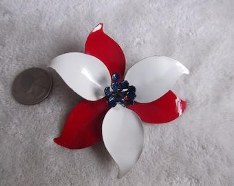 Vtg Pin-Enamel Flower- MOD-60's-6 Petal-P2261