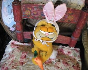 Garfield,Vintage Garfield,Darling Bunny Garfield 1981,Vintage Stuffed Toys,Toys,   :)s