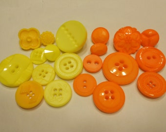 20 yellow and orange button mix, 13-28 mm (29)