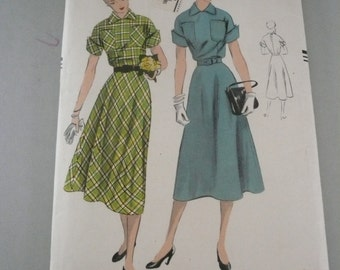 Vinage Vogue Pattern 7000  Misses Easy To Make Dress Size 14