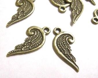 20pc antique bronze finish small metal wing pendant-6163