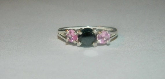 Black & Pink ring 3 stones of love